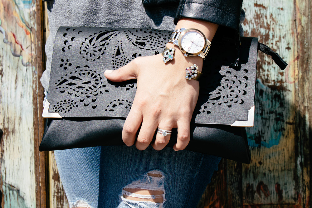 details in accerssories, how to make accessories work for you, h&m clutch, black clutch,