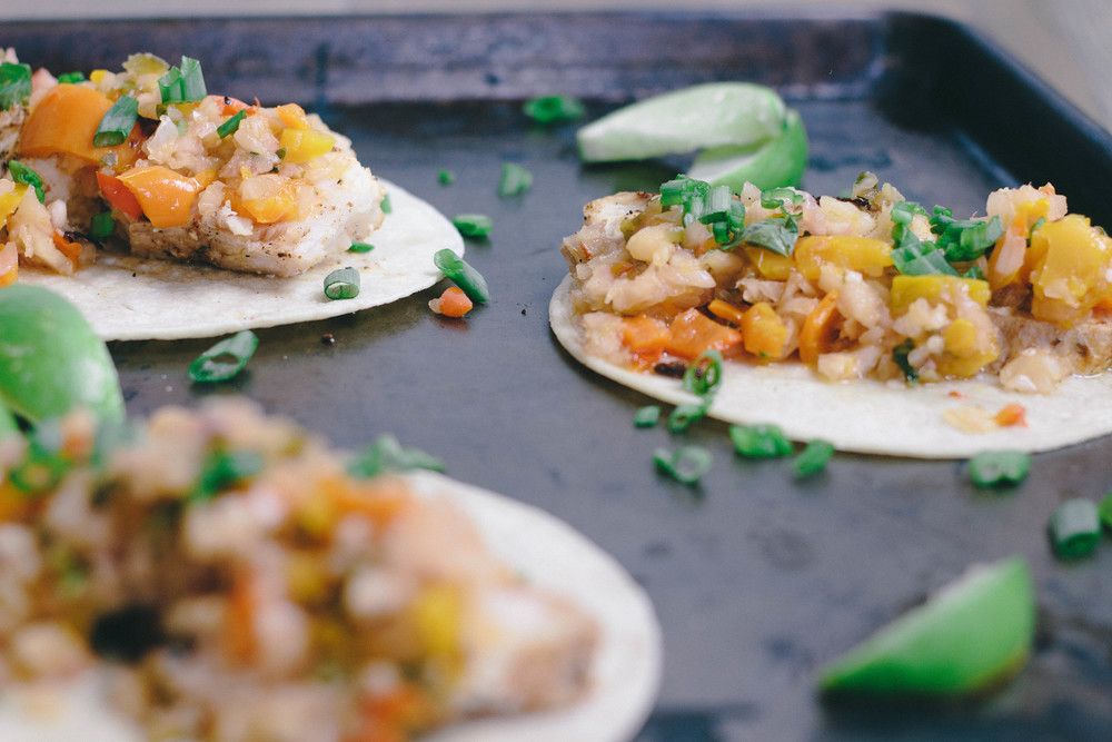grilled snapper tacos, grilled snapper tacos with charred pineapple salsa, how to make pineapple salsa, fish taco recipe, snapper, paprika, chili powder, garlic powder, tortilla shells, chopped pineapple, jalapeño, cilantro, summer dinners,