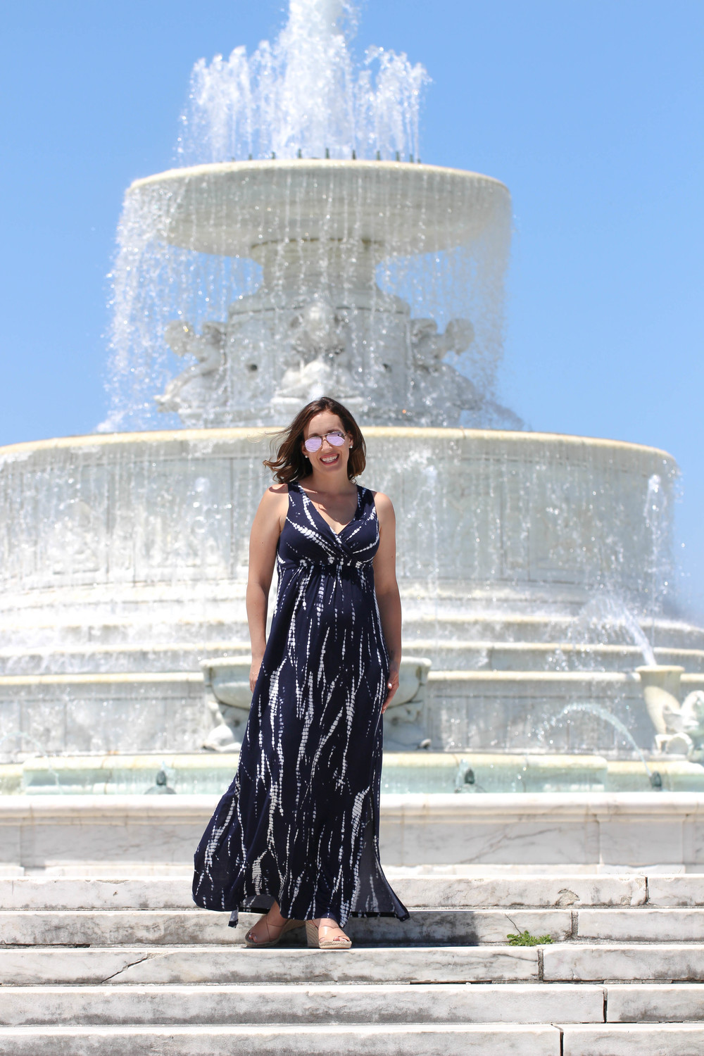 tie dye maxi dress outfit, belle isle conservatory, summer outfit, summer dress, long dress, navy maxi dress, aviators, reflective aviators,