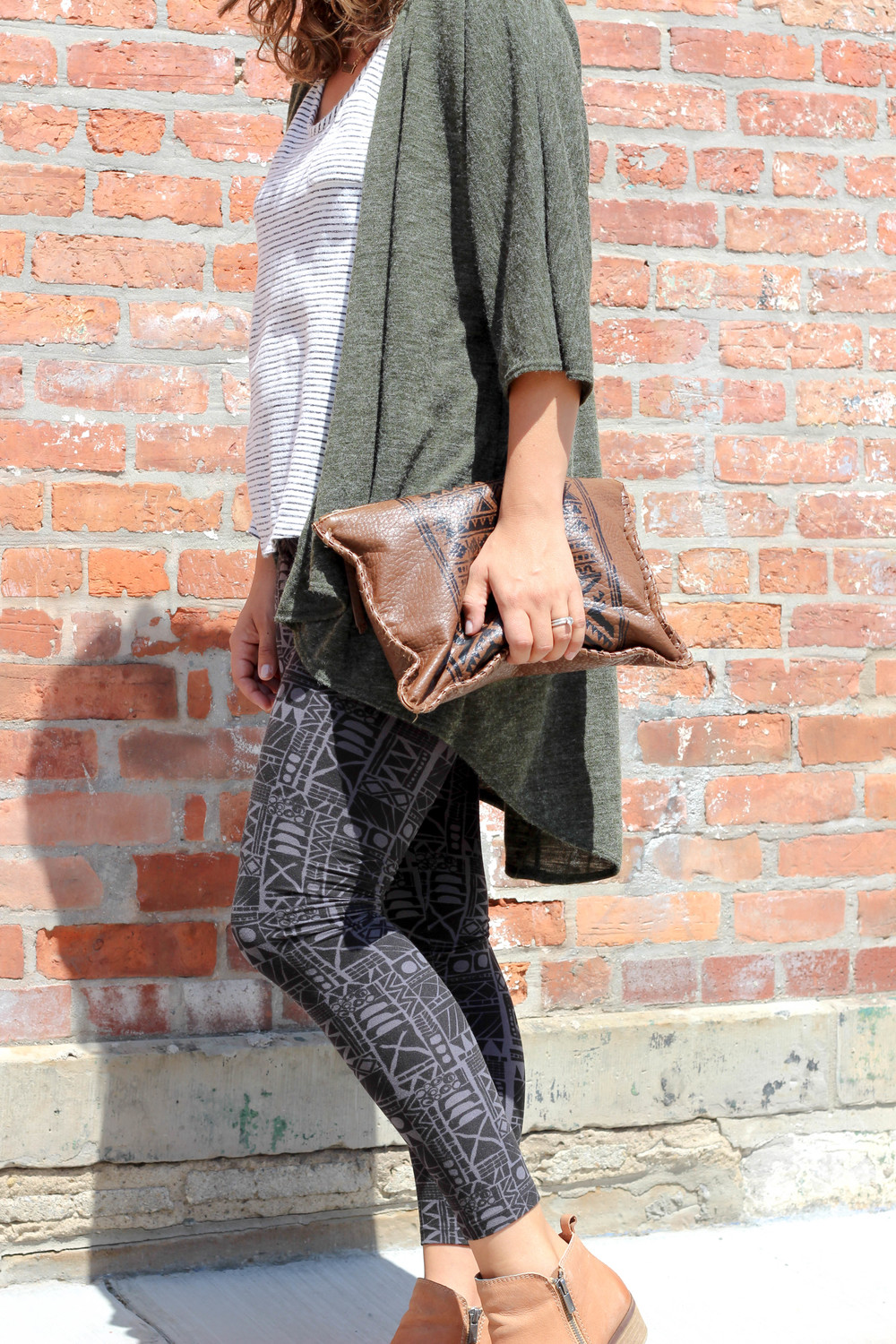 mixing print outfit, styling a kimono, how to style printed leggings, printed leggings for women, comfort fashion, bohemian, patterned pants, army green, mix and match prints, how to wear stripes, get creative with your fall fashion, leather printed clutch, GAP, lucky brand booties, army green kimonos,