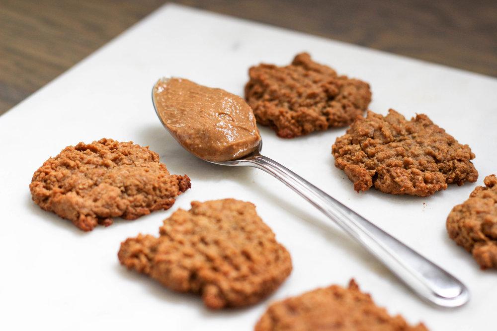 peanut butter cookies, breakfast cookies, natural cookies, flax eggs, no egg cookies, peanut butter recipe, natural sweet treats,