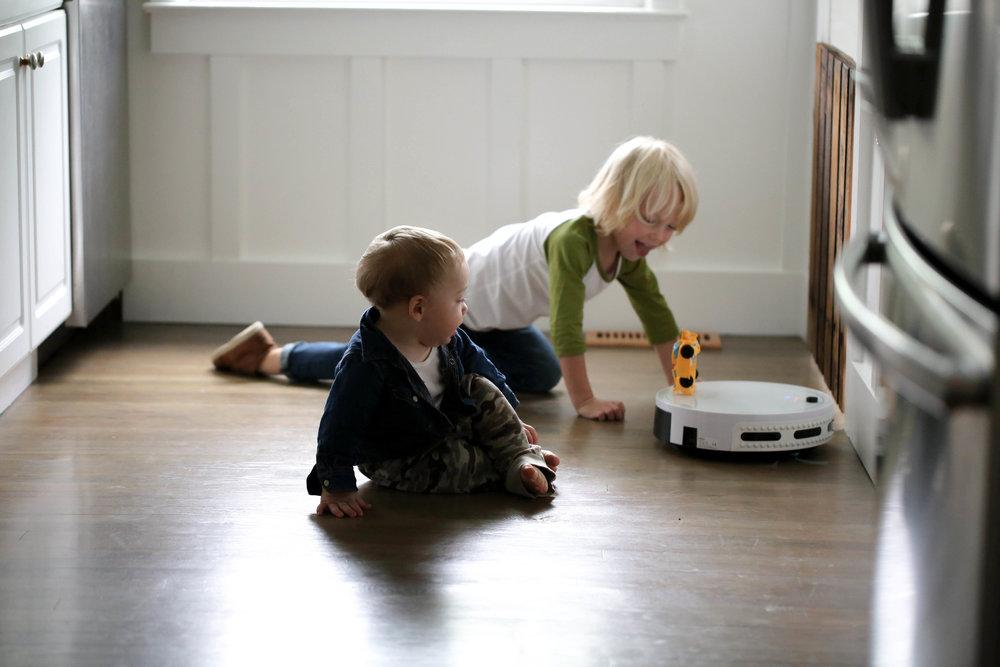bObi Classic vacuum perfect for toys too
