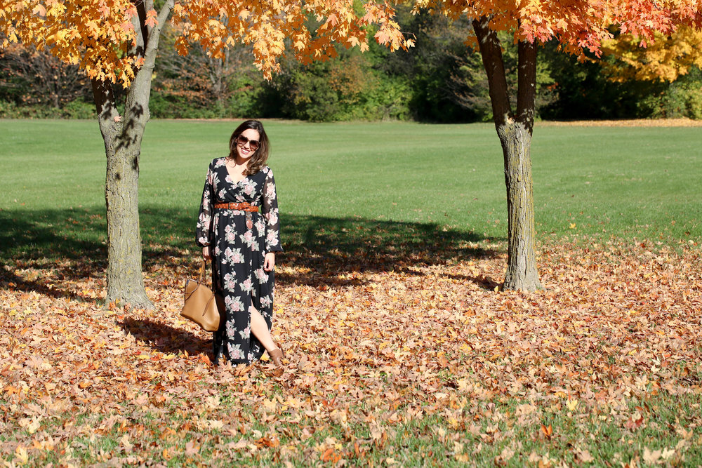 fall florals, fall fashion, maxi dress, floral dress, how to wear one piece multiple ways, accessorize with belts, autumn style, florals for women,