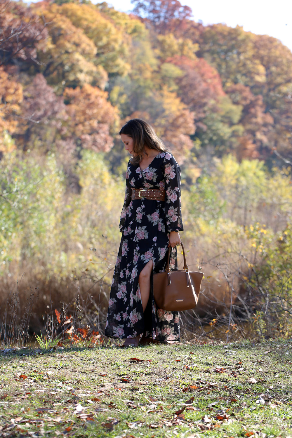 long sleeve fall floral maxi dress outfit, fall florals, fall fashion, maxi dress, floral dress, how to wear one piece multiple ways, accessorize with belts, autumn style, florals for women,