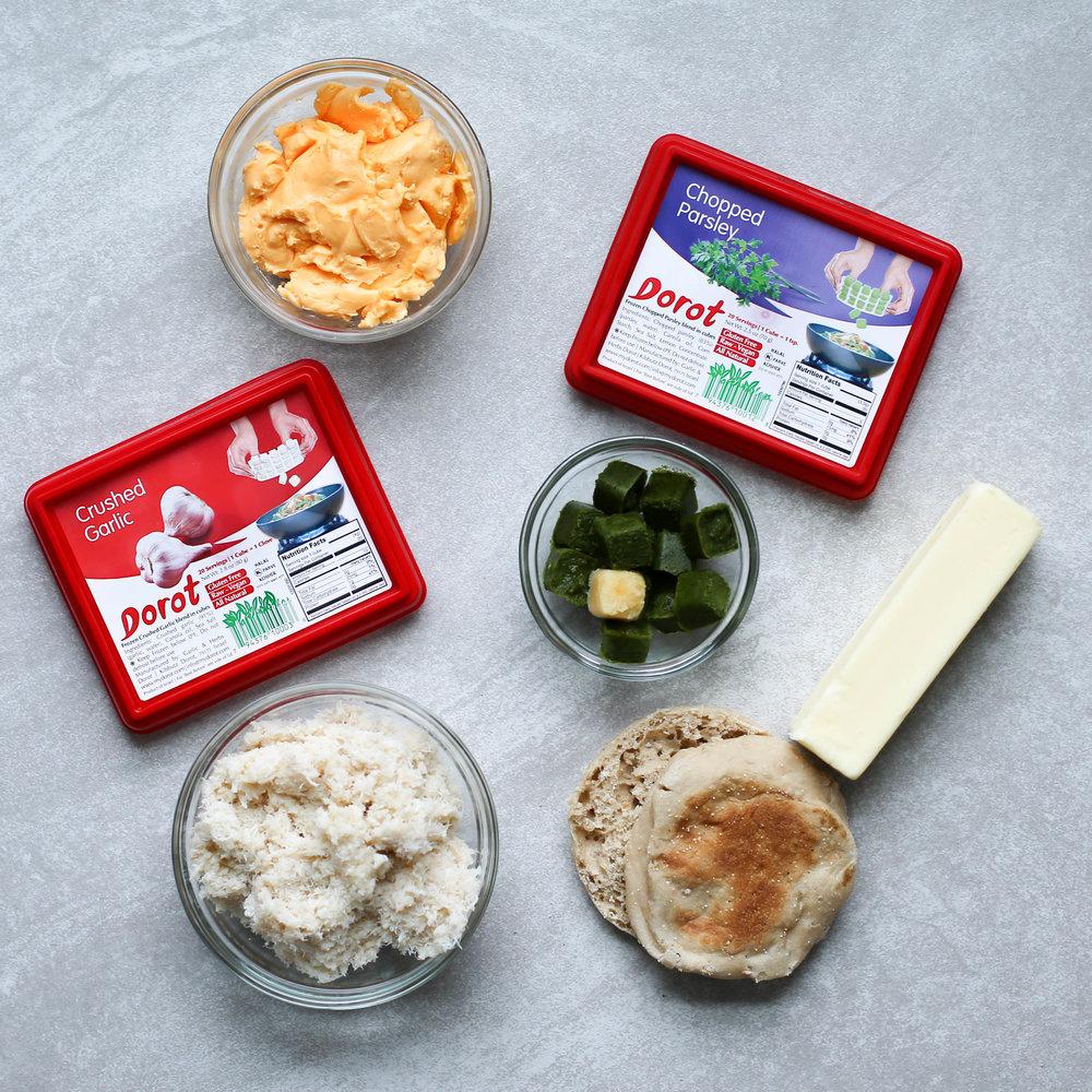 cooking secrets, five cooking secrets, cooking with dorot, how to use garlic, dorot parsley, crab cakes, cooking in a flash, crab cake recipe, crab cake recipe with dorot, cooking with kids,
