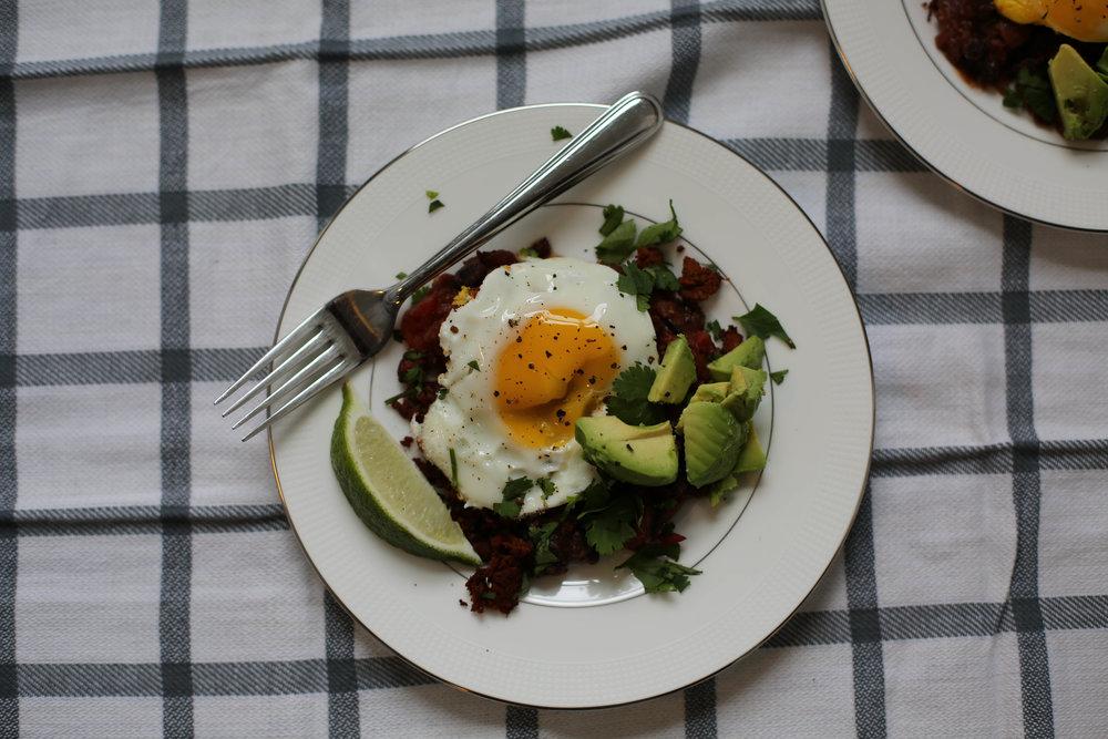 sunny side up egg, avocado, black beans, chorizo, mexican style, breakfast, spicy breakfast, recipe