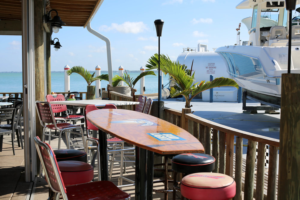 outdoor eating, eating on the water, ocean dining, Flordia Keys