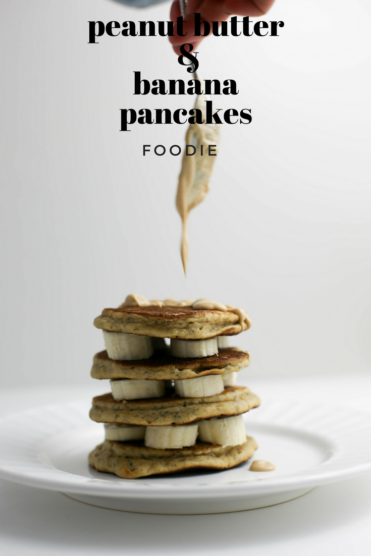Peanut butter banana pancakes no refined sugars!, peanut butter and banana pancakes, how to make peanut butter pancakes, peanut butter, peanut butter and bananas,