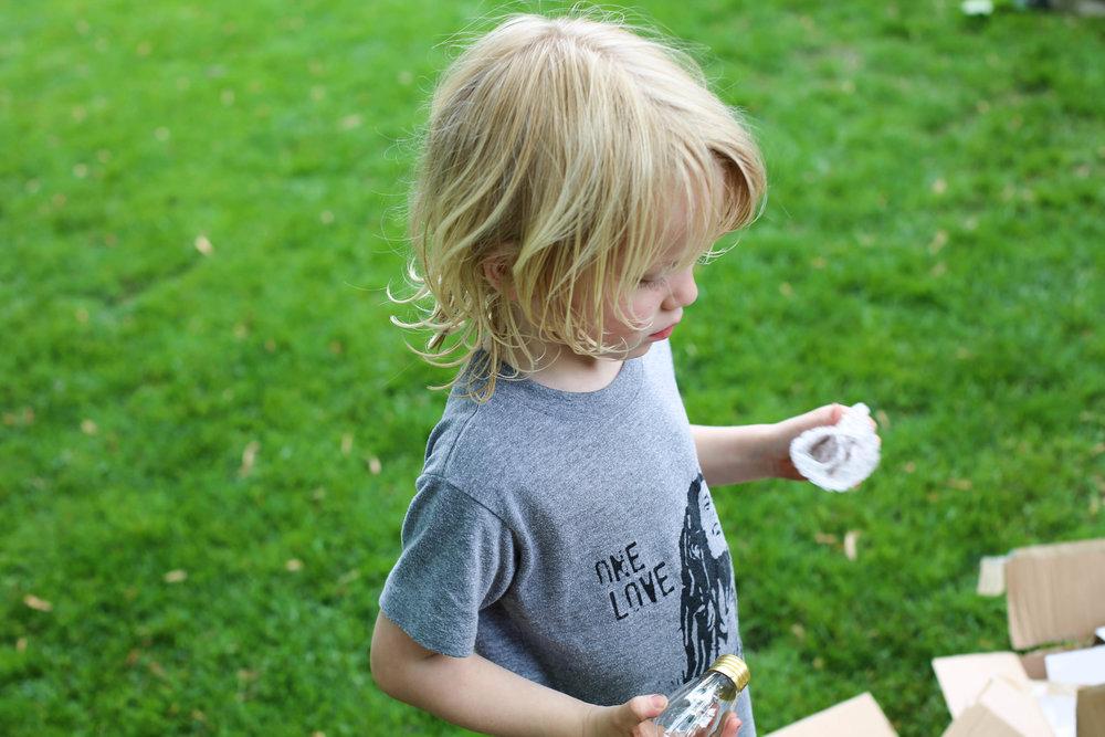 little helpers, outdoor help