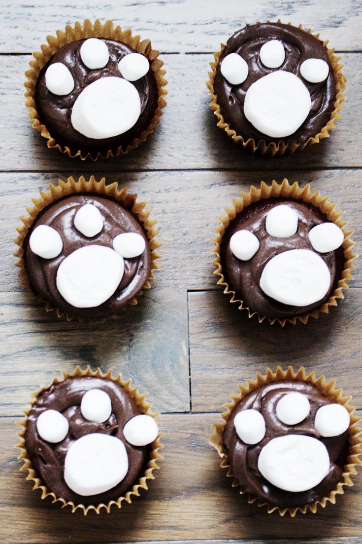 paw patrol party, paw patrol cupcake, paw patrol theme party, pupcakes, paw print cupcakes