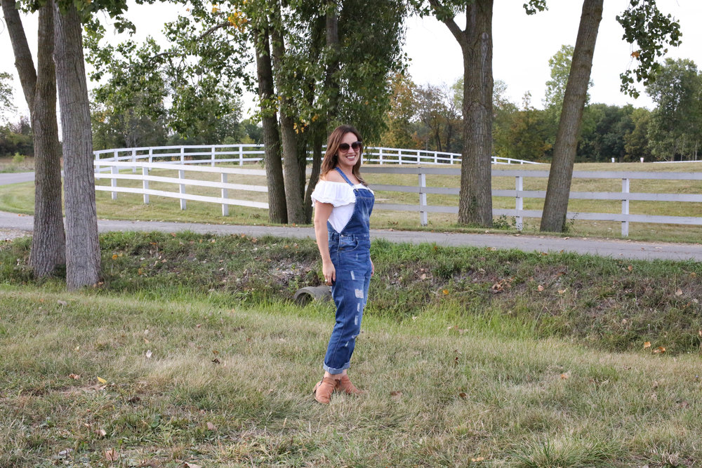3 ways to style overalls