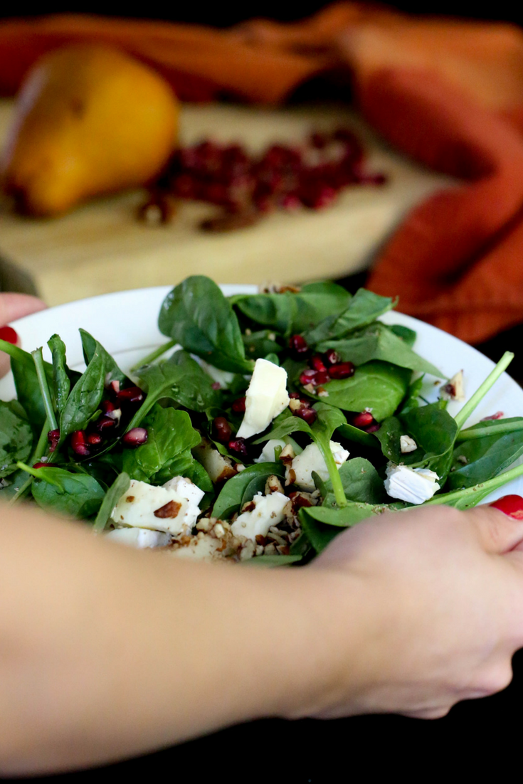 thanksgiving harvest salad, spinach salad, brie, pomegranate seeds, pecans, pears, homemade dressing