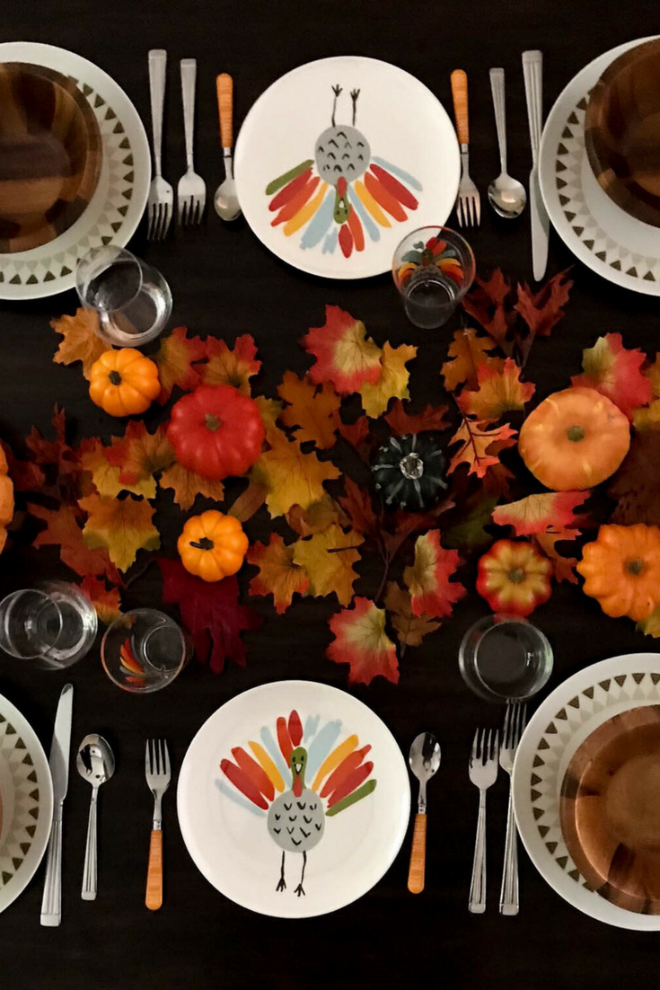 Kid friendly Thanksgiving table setting, Thanksgiving table setting, Pumpkins Thanksgiving table, kids plates for thanksgiving