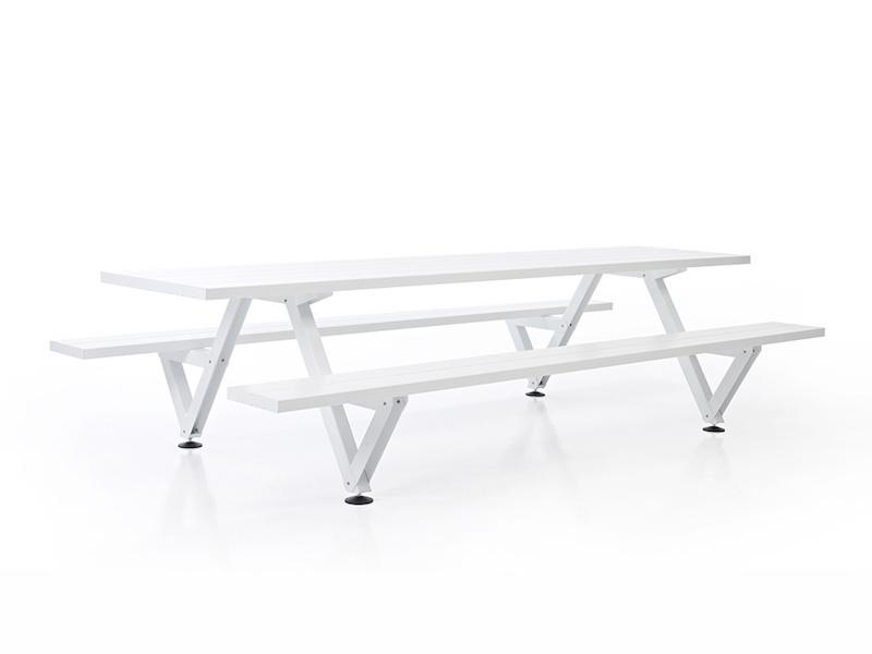 Extremis Marina Picnic Table