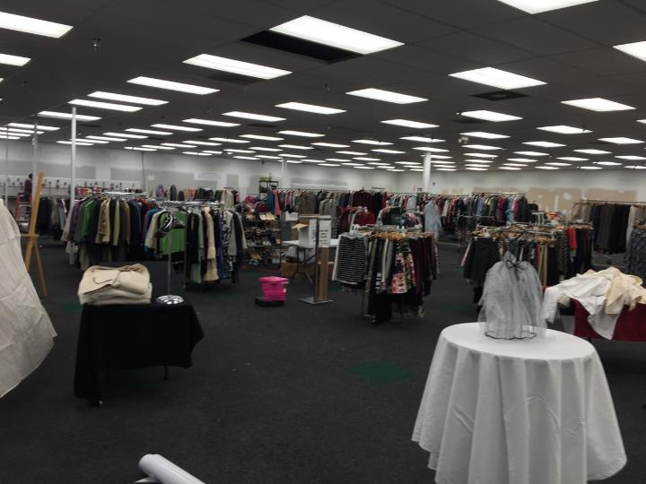 Overview of the pop up shop.