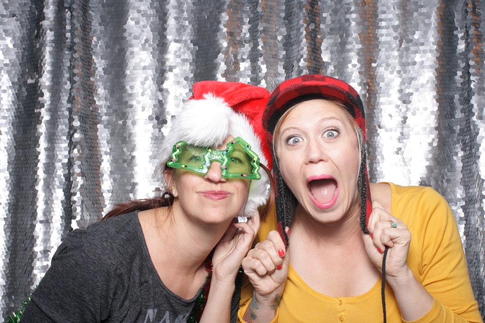 JM Studios-omaha-nebraska-holiday party- snap omaha photo booth