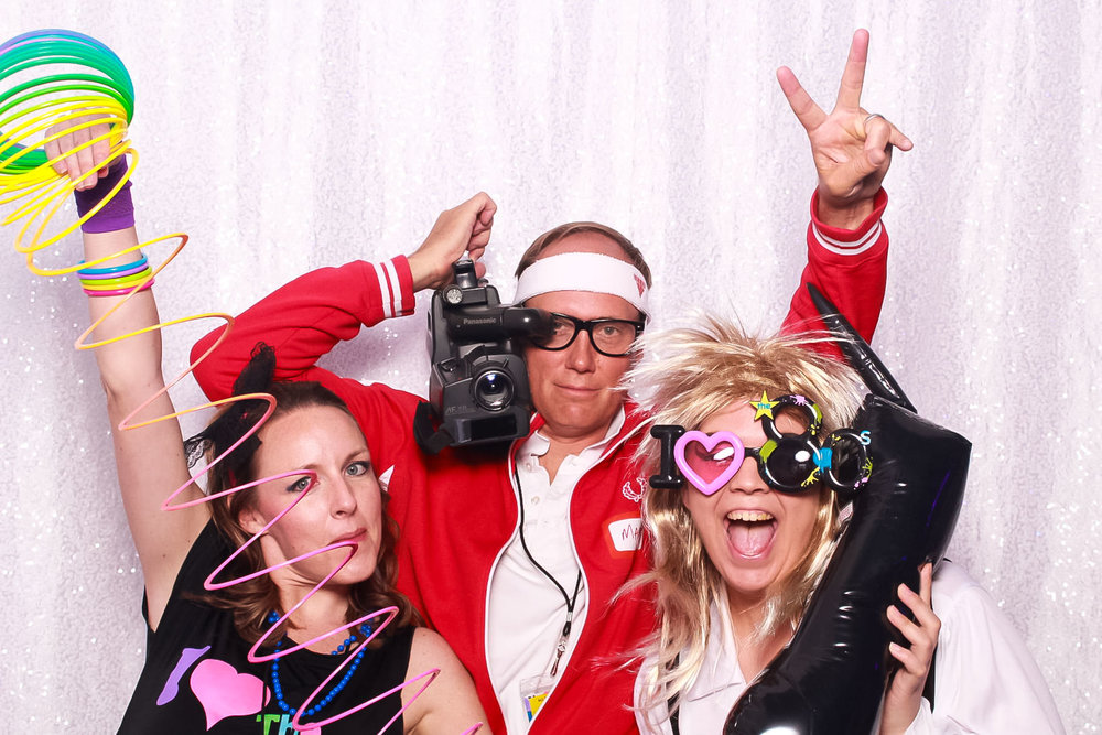 backyard-omaha-nebraska-graduation party-snap omaha-photo booth