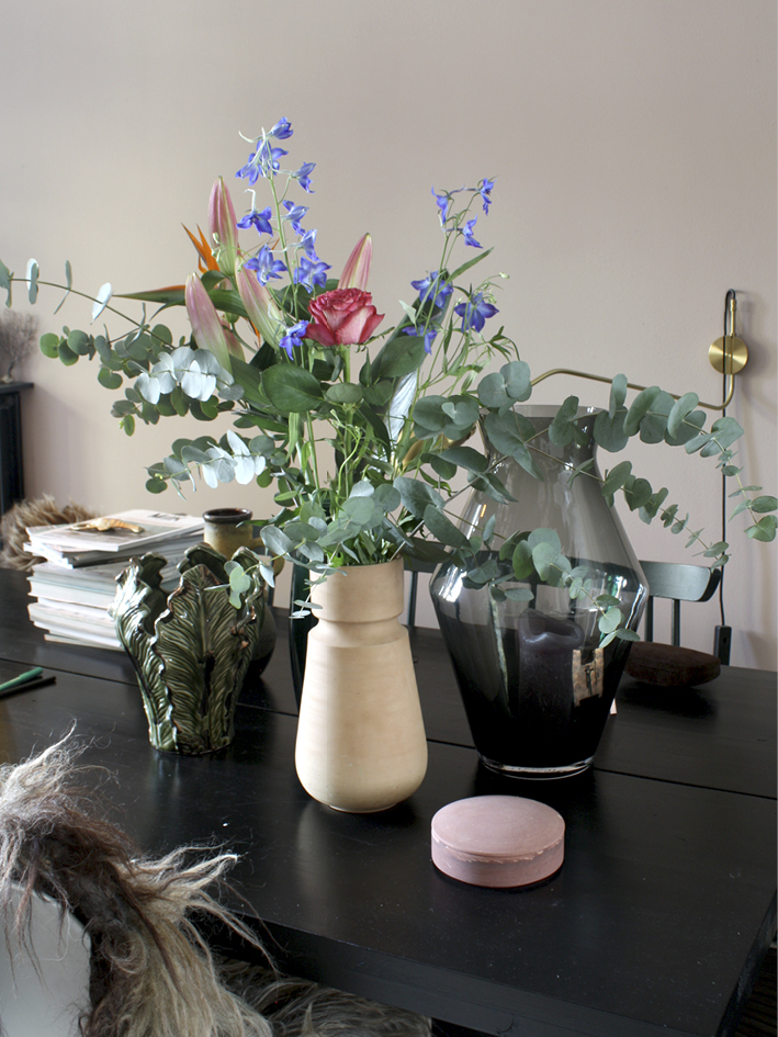 THE-NICE-STUFF-COLLECTOR-INTERIOR-BLOGGER-THEO-BERT-POT_FLOWERS_2.jpg