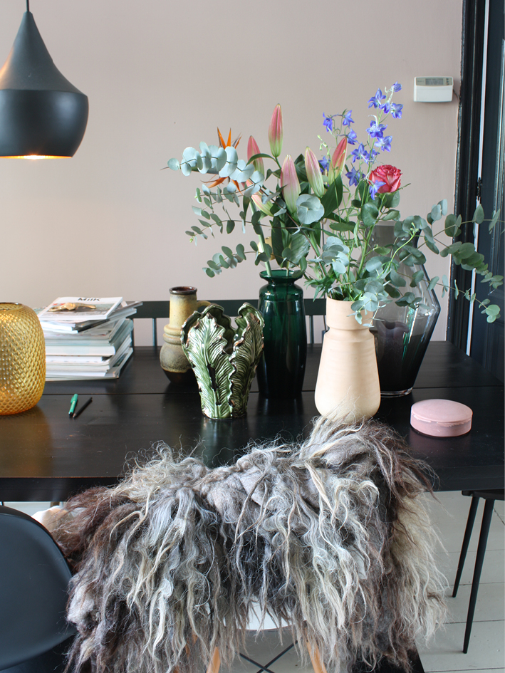 THE-NICE-STUFF-COLLECTOR-INTERIOR-BLOGGER-THEO-BERT-POT_FLOWERS_.jpg