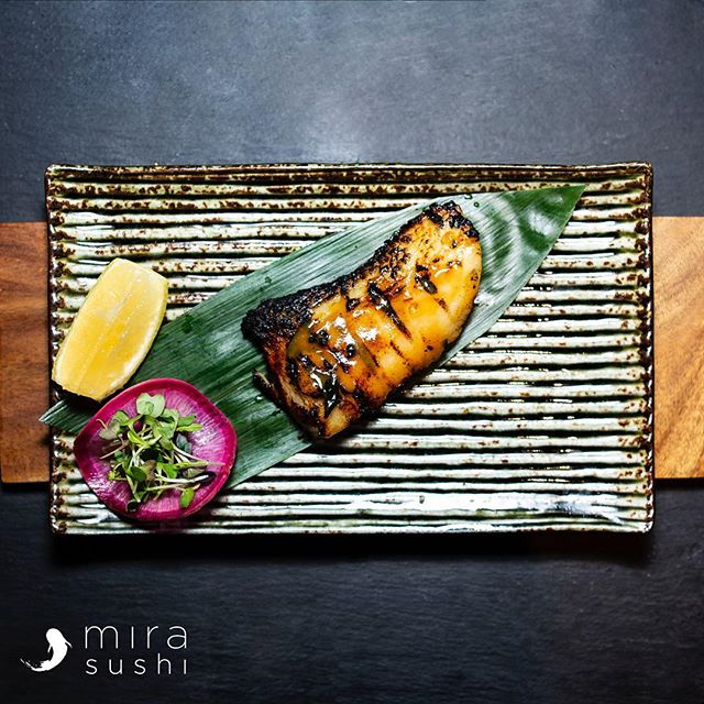 Miso Chilean Sea Bass 🥢 Come try it at Mira Sushi & Izakaya 🏮 . . . #mirasushiflatiron❤️ #japanesenyc #flatironeats #cheatday #imhungry #foodgasm #nycsushi #nycfood #delish #cheatday