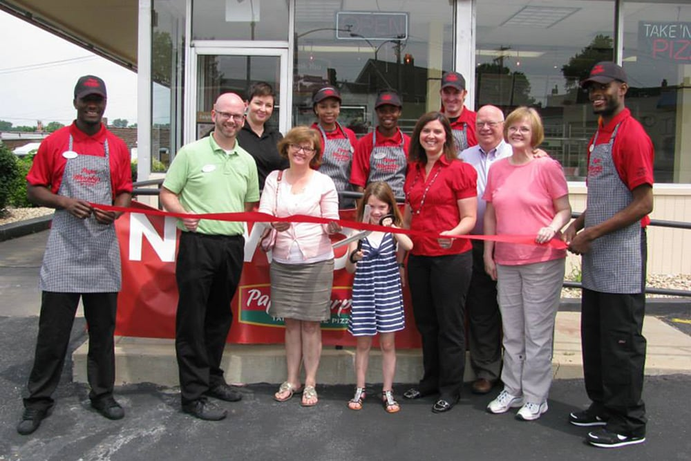 NOW OPEN!! - Papa Murphy's Take 'N' Bake Pizza of St. Louis, MO celebrates it's official grand opening at 3909 Gravois Avenue.