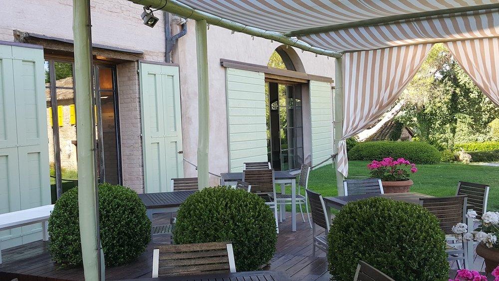 Garden Terrace Bar