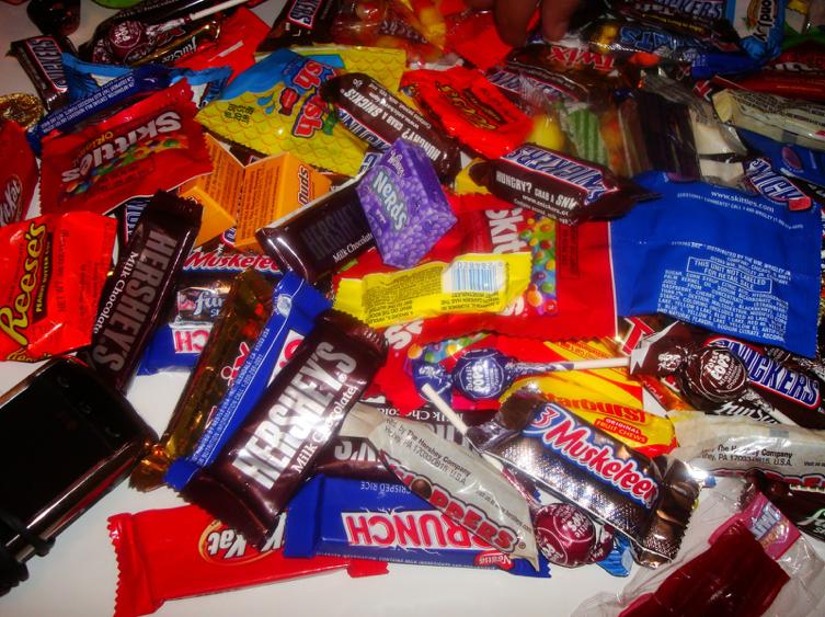 L_HalloweenStarterPack_Pic1.jpg