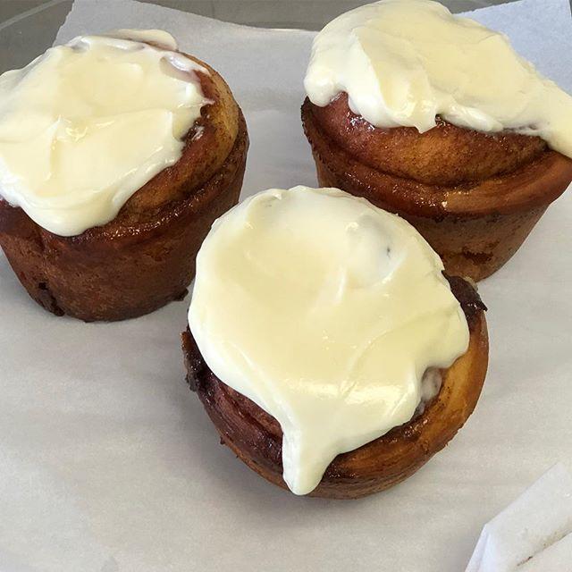 Grab some breakfast on this beautiful Sunday!! #whippedandfrostedboutique #cinnamonrolls #breakfast #pastries #newlenoxillinois #jolietillinois #smallbusiness #sundays