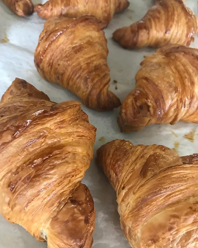 Stop in for some pastries!! #whippedandfrostedboutique #frenchpastries #breakfast #newlenoxillinois #jolietillinois