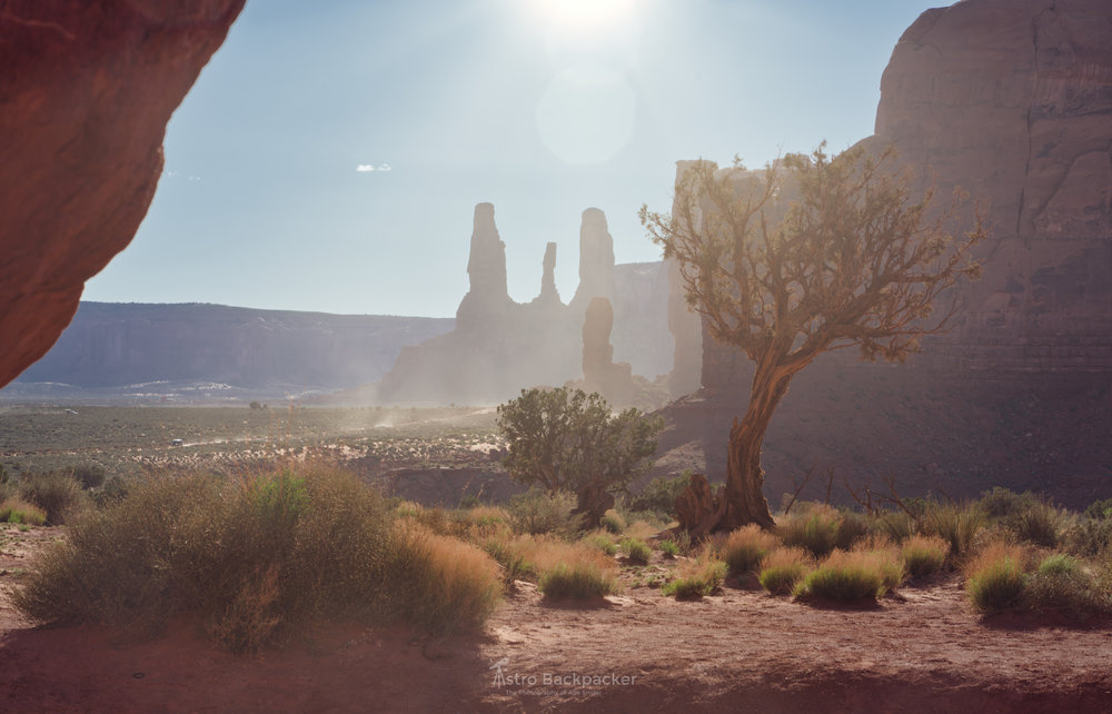Is the sun at the top natural or artificially added using the Sunrays? What do you think?   Monument Valley, Utah