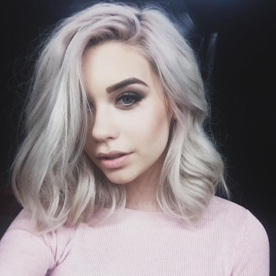 Before she became a fashion figure and model, she started as a beauty vlogger on Youtube. Now 17 years old, her makeup skills have greatly increased since she started her channel as a mere pre-teen.