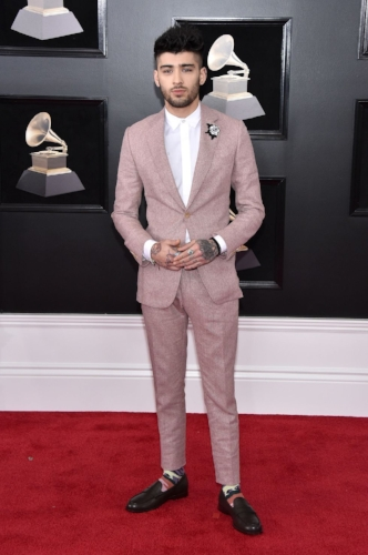 Zayn looked as good as he always does in a dusty rose Richard James suit.
