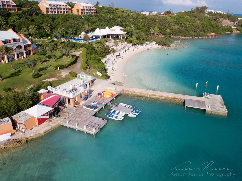 Our dive center is located directly off the private beach of Grotto Bay