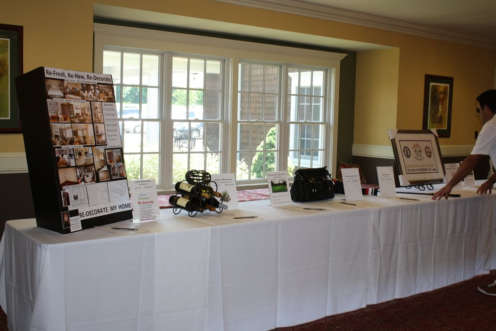 061614 rrcc golf silent auction (2).JPG