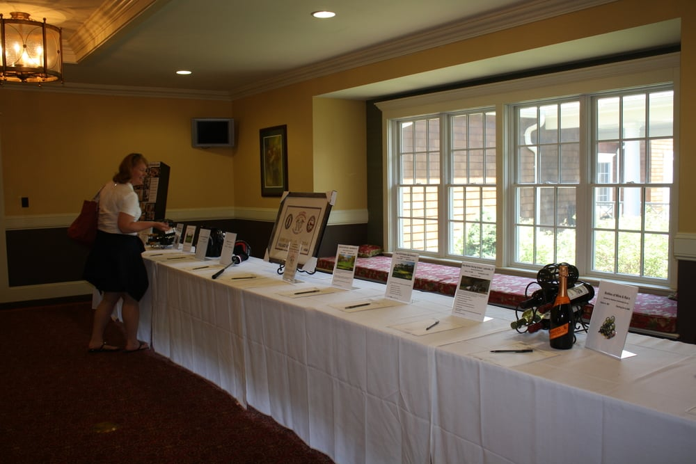 061614 rrcc golf silent auction (4).JPG