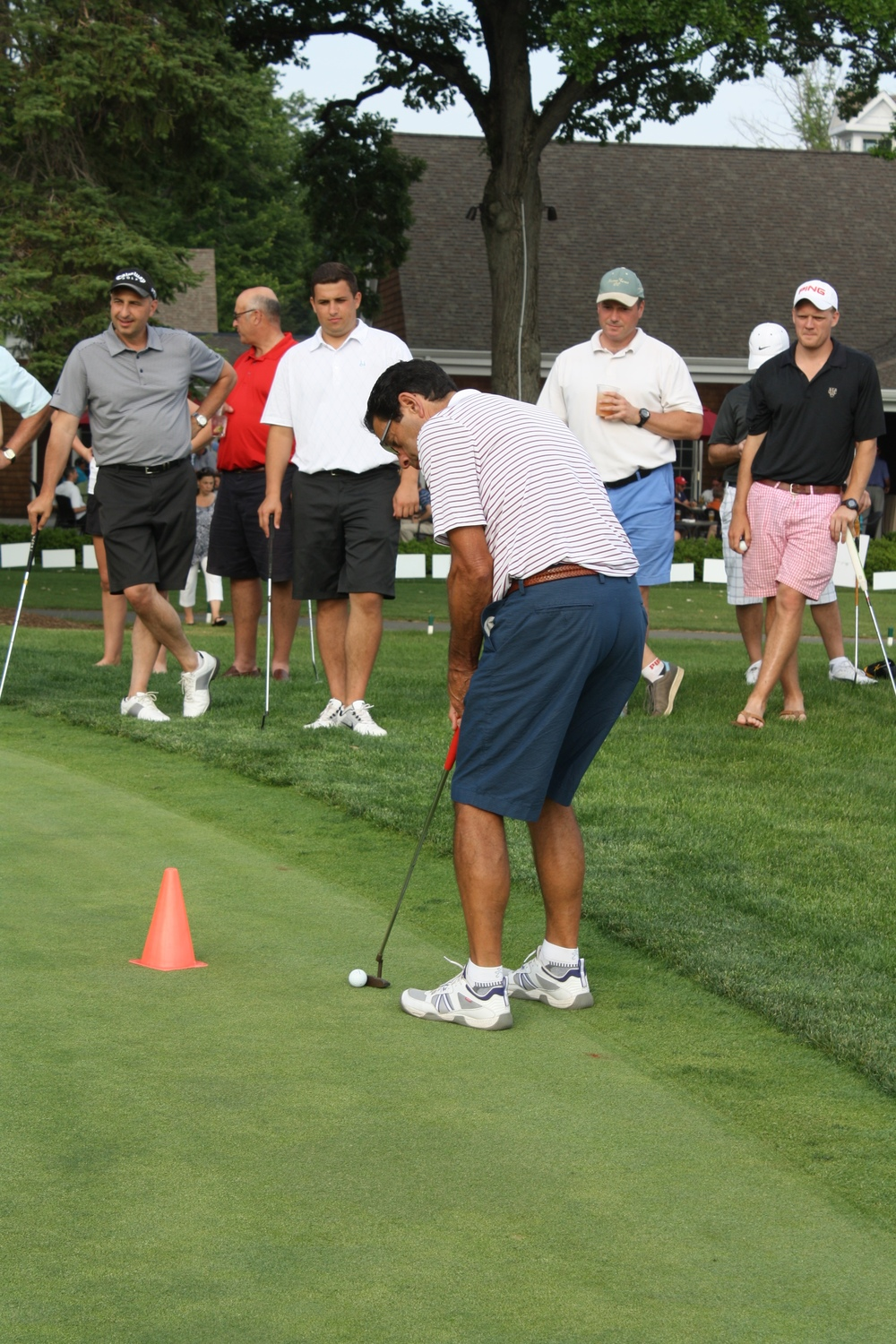 putting contest mark fries.jpg