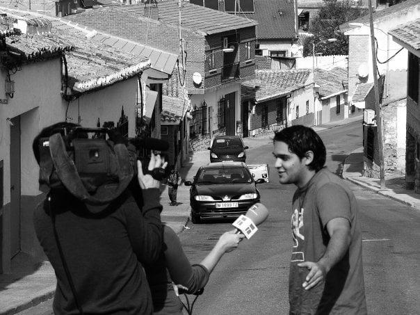 siendo entrevistado por castilla la mancha television.jpg