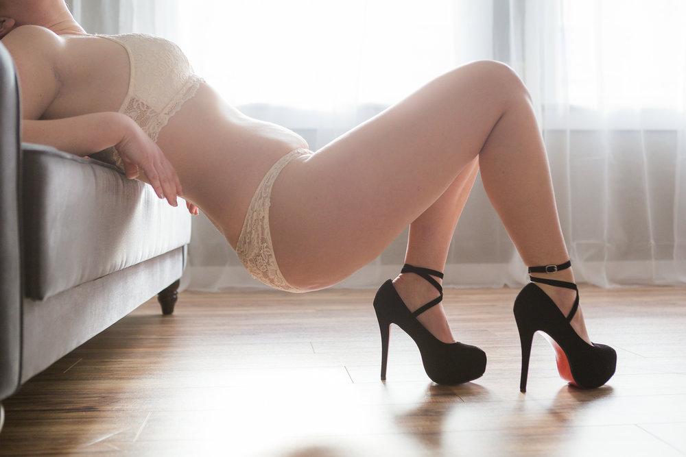 Nicole Boudoir-8.jpg