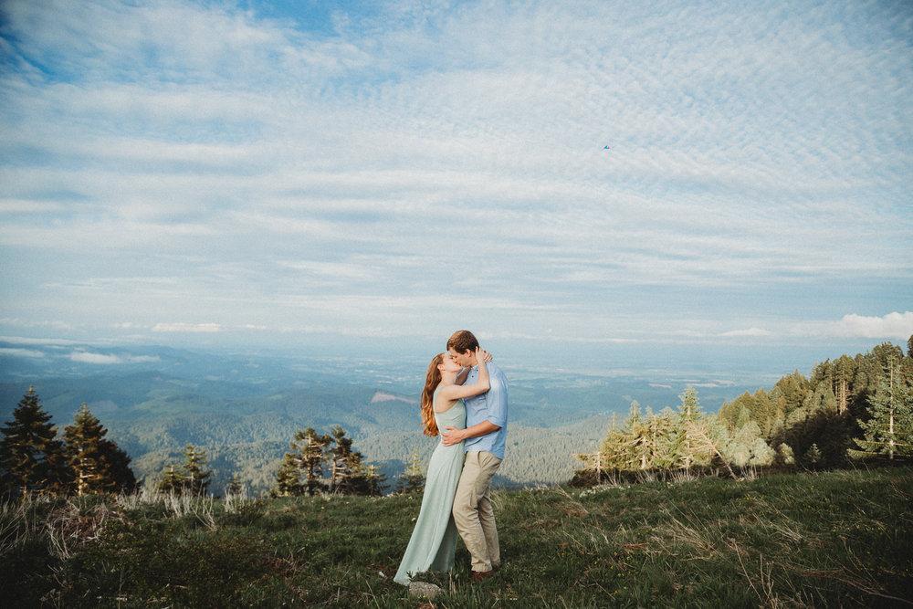 Heather&Zach-14.jpg