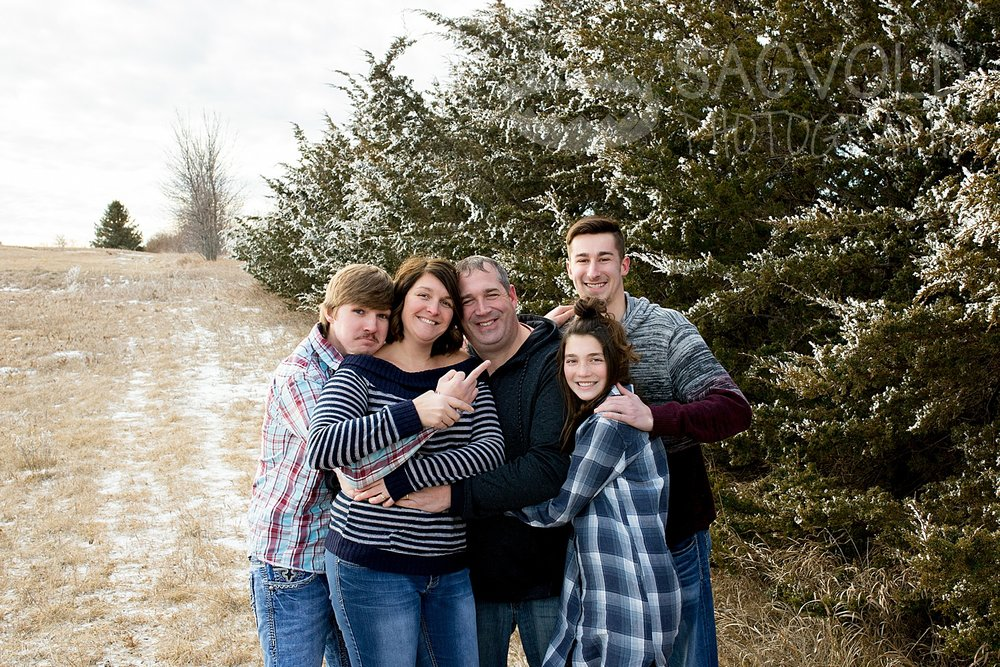 Family picture Fargo ND family photographer Janna Sagvold Photography