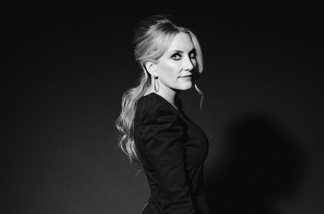02-Lee-Ann-Womack-press-photo-by-Ebru-Yildiz-2017-billboard-1548.jpg