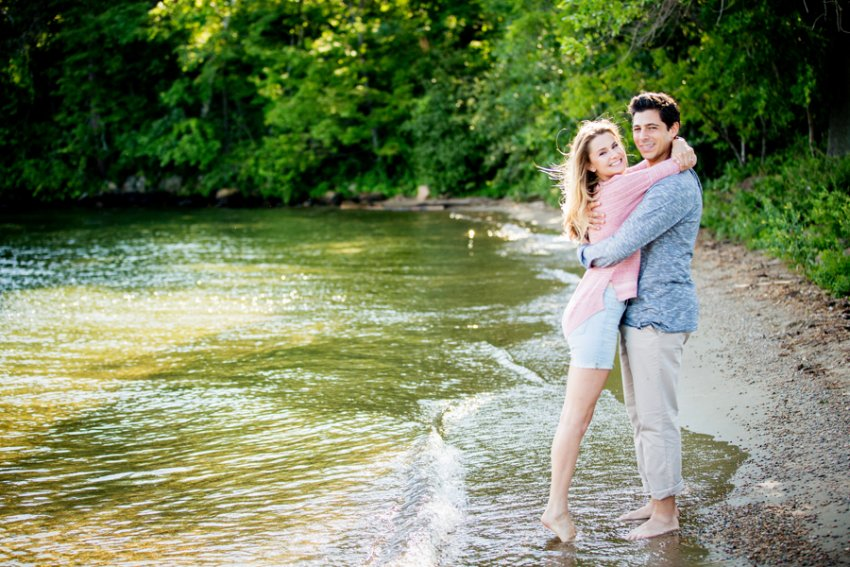 silver-bay-engagement-photos05.jpg