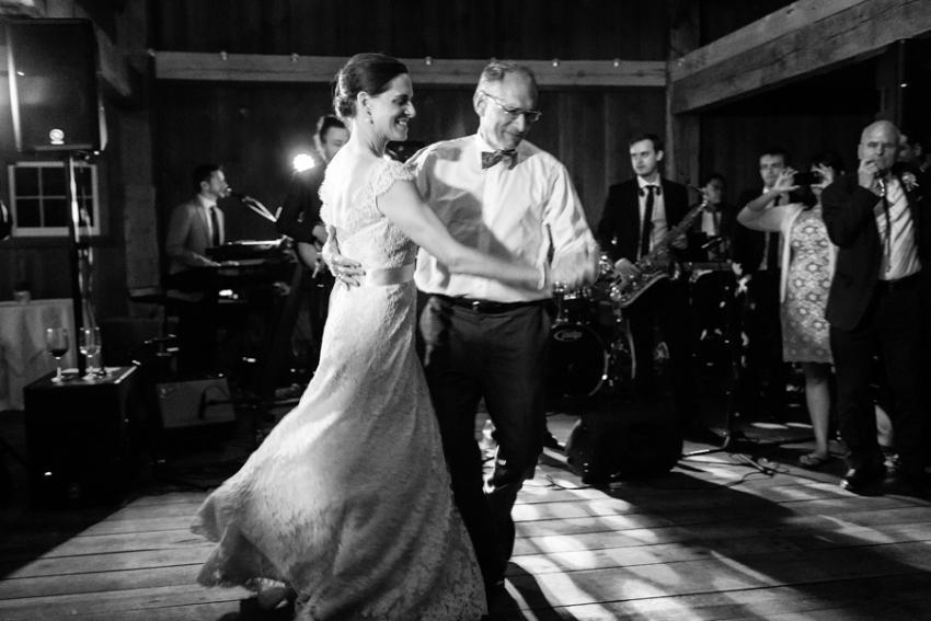 tracey-buyce-photography-nipmooose-barns-wedding-photos26.jpg