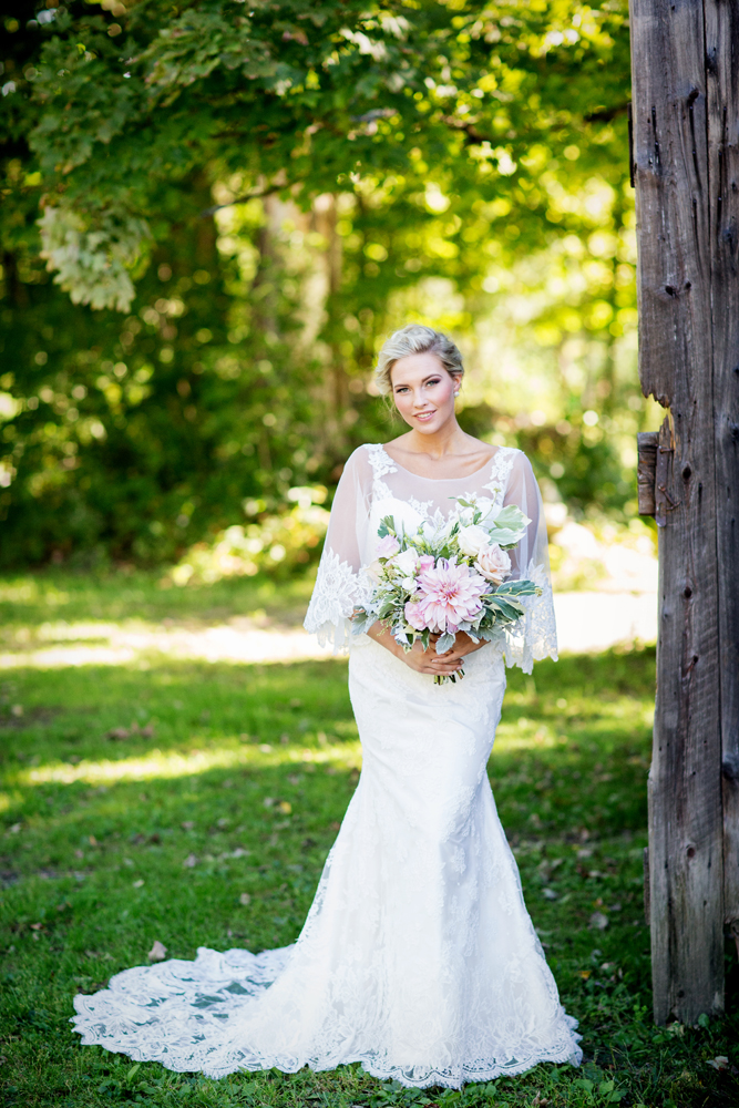 Tracey Buyce wedding photography with horse36.jpg