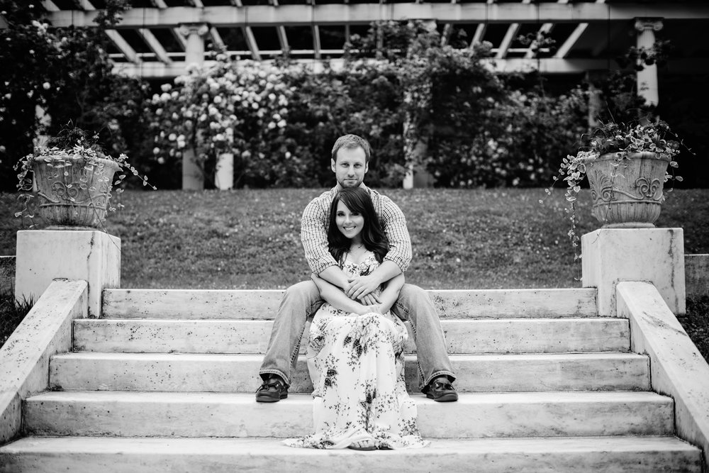 Yaddo garden engagement photo03.jpg