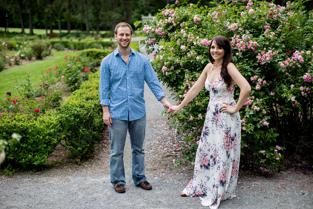 Yaddo garden engagement photo08.jpg