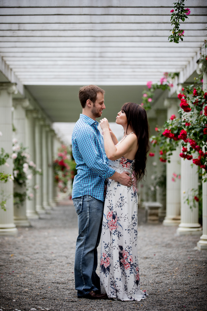 Yaddo garden engagement photo11.jpg