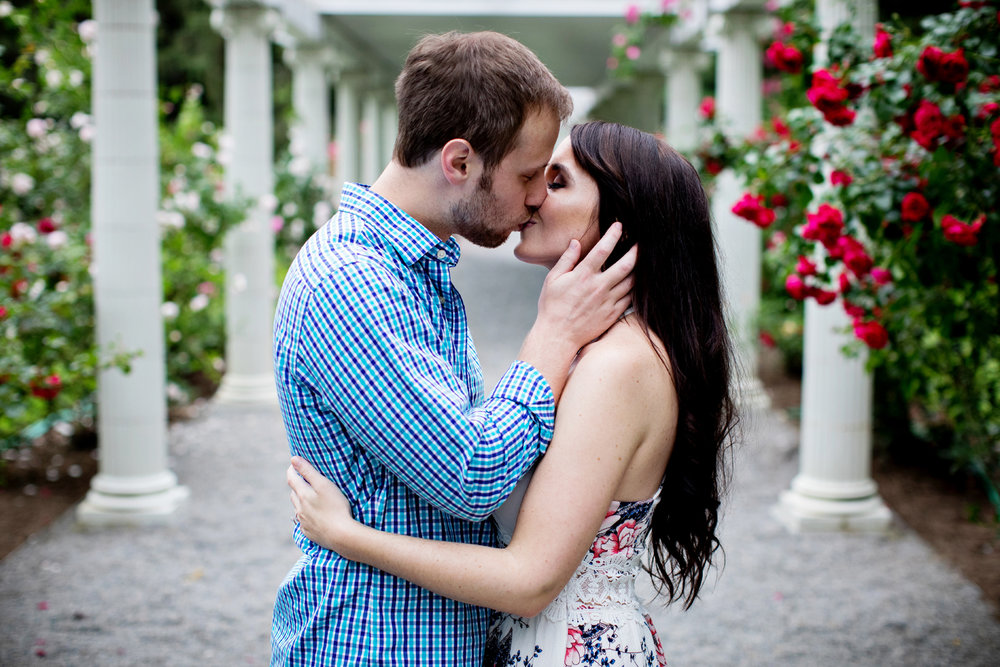 Yaddo garden engagement photo10.jpg
