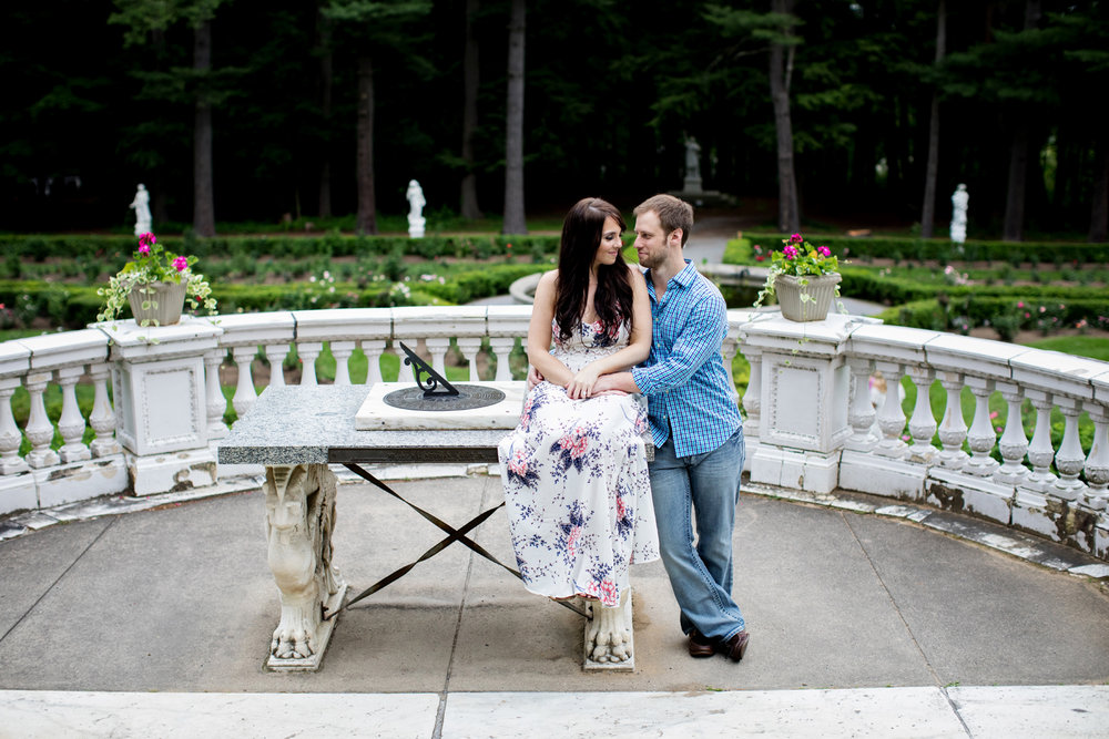 Yaddo garden engagement photo13.jpg