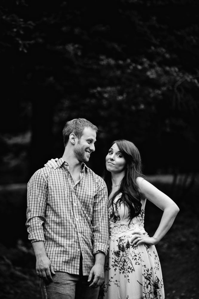 Yaddo garden engagement photo15.jpg
